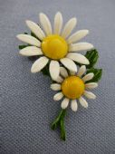 Daisy Brooch 1960s Cold Enamel White, Yellow and Green Flower Brooch (sold)
